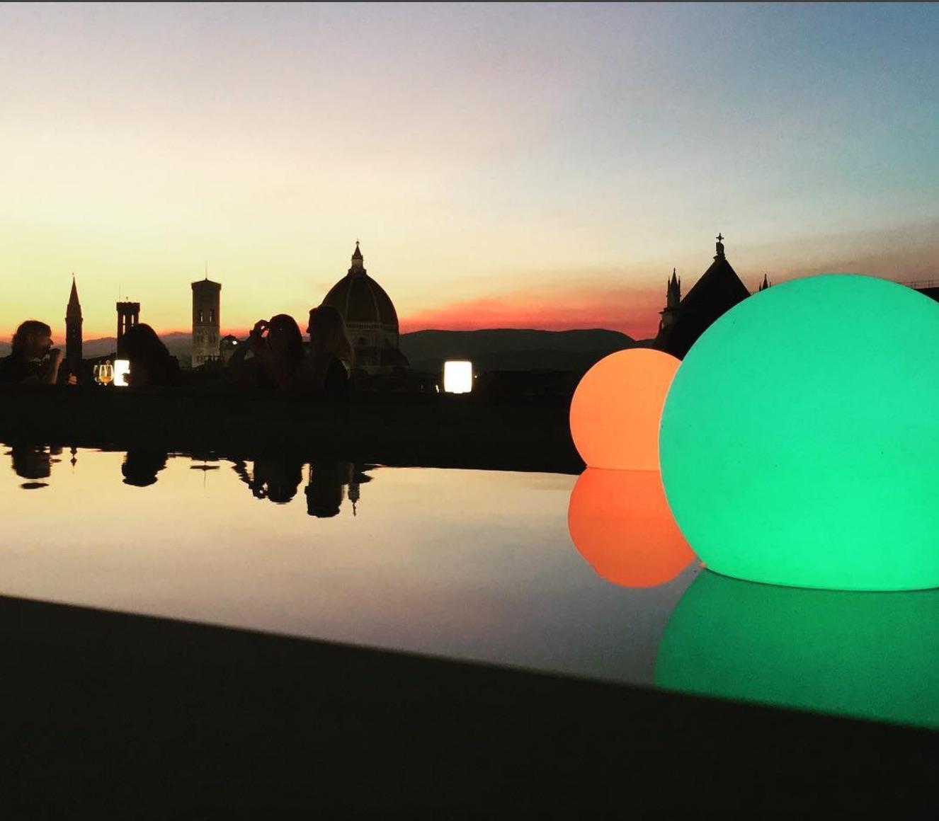 Aperitivo sulla terrazza Empireo del Plaza Hotel Lucchesi a Firenze