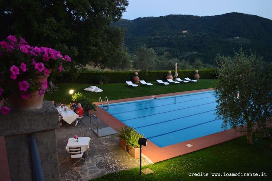 cena_bordo_piscina