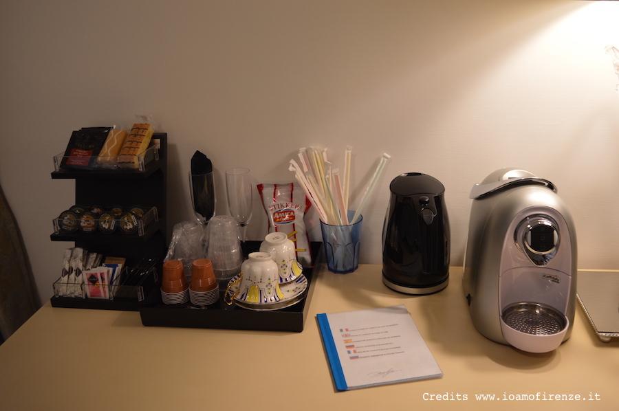 macchina per caffe e bollitore