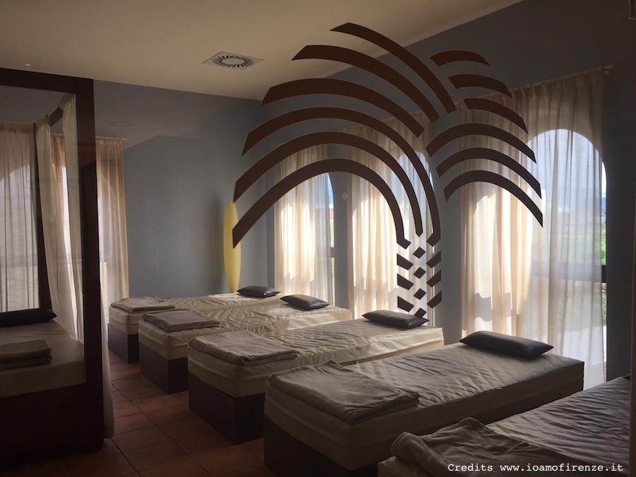 stanza relax letti con materassi ad acqua Asmana