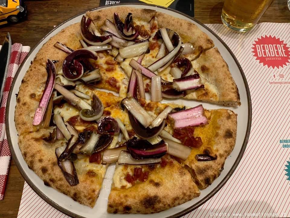 pizza radicchio e taleggio